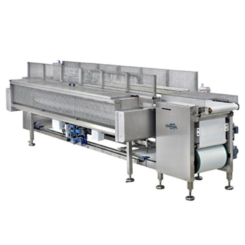 Retracting charging system for bakeries, automatic setting of dough pieces to trays or proofer conveyor belt or similar.