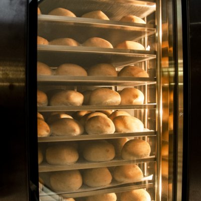 Bakery rack oven with large window with heat reflecting glass that shows the rotating rack inside