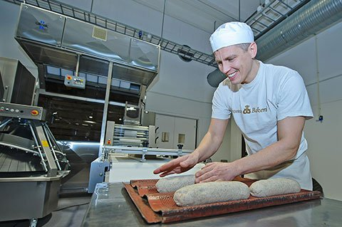 Tromsø bakery delivers freshed baked goods baked with Sveba Dahlen rack oven I-Series every day